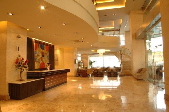 Lancaster Hotel Manila Lobby