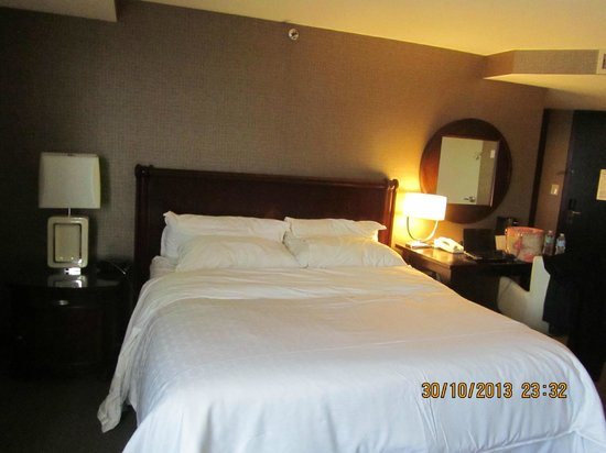 Sheraton Tysons Hotel: bedroom