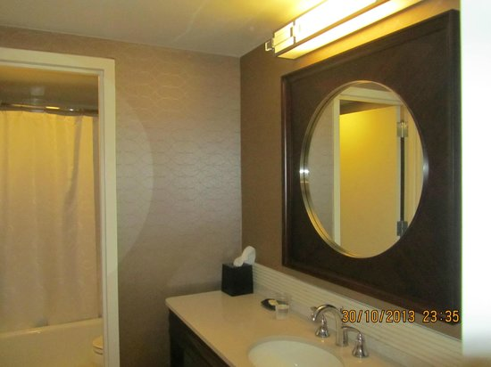 Sheraton Tysons Hotel: bathroom