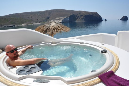 Salt Suites & Executive Rooms: Aaaah - Our private jacuzzi view of the Aegean