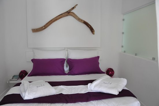 Salt Suites & Executive Rooms: The Romantic and Lovely Bedroom