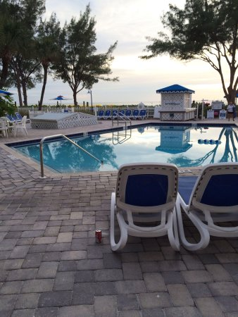 Guy Harvey Outpost, a TradeWinds Beach Resort: Pool and beach