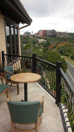 La Villa Vista: Porch
