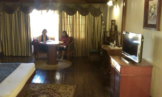 Central Heritage Resort and Spa, Darjeeling: Big room..