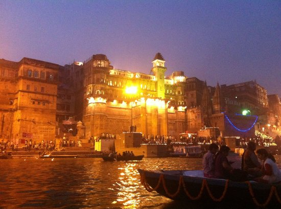 Hotel Temple on Ganges: Varanasi by night