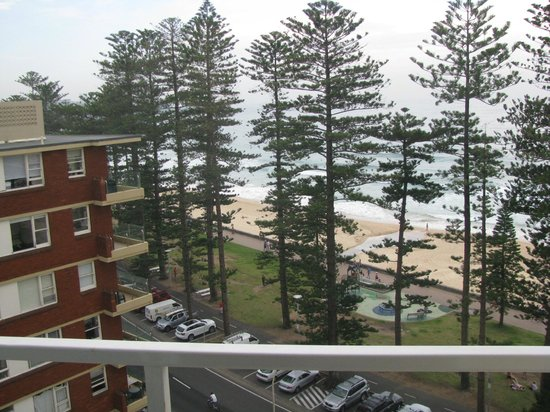 Manly Shores Holiday Apartments: view from living/dining balcony