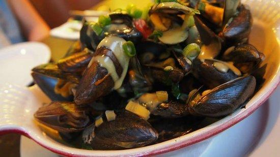 HENRI : Creamy Mussels