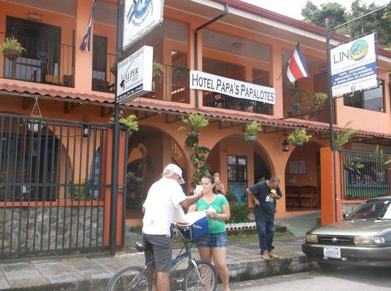 Hotel Papa's Papalotes: Aparetado vendor (home made popcicycle in bag no stick) any fruite juice will work.