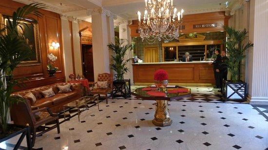 The Chesterfield Mayfair: Lobby