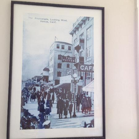 Venice Beach Suites & Hotel: Old photo of original Potter Apartments (our hotel)