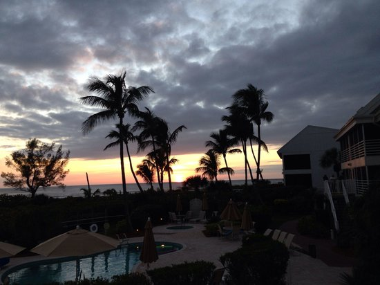 Hurricane House Resort: Best sunset views...