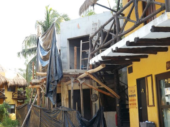 Holbox Dream Beach Front Hotel by Xperience Hotels: Noisy Construction