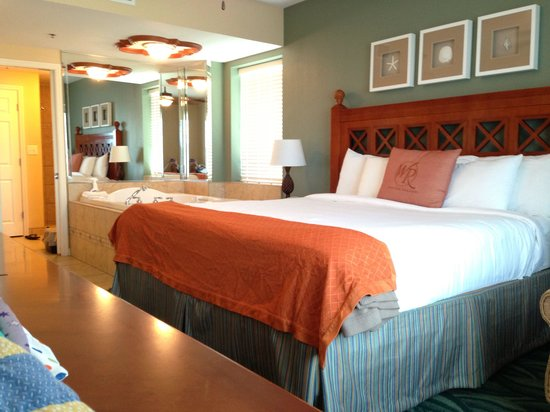 Westgate Myrtle Beach Oceanfront Resort: View of bedroom and bathroom from window
