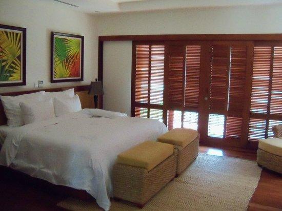Furama Resort Danang: 2nd floor bedroom