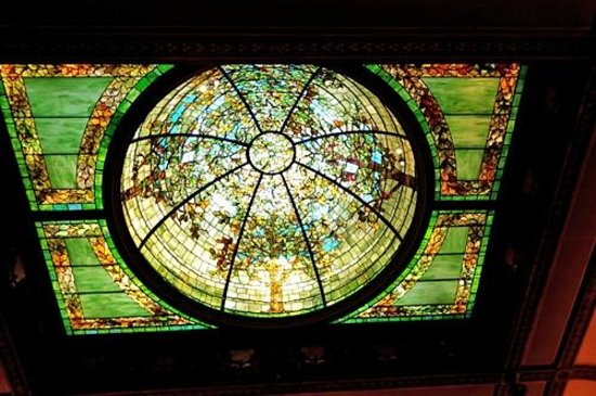 Richard H. Driehaus Museum : Stained glass dome in what was the Nickerson's gallery