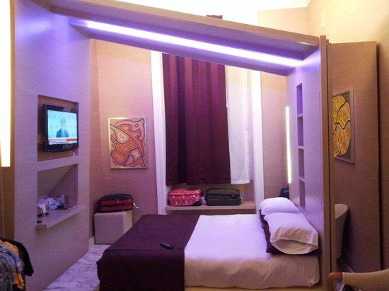 Dharma Hotel & Luxury Suites: room