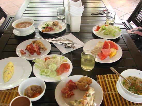 Bon Bien Resort: небольшой завтрак все вскусно