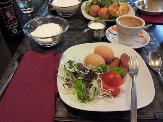Dharma Hotel & Luxury Suites: 2nd day breakfast