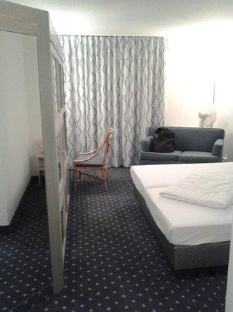 ACHAT Premium Walldorf/Reilingen: Room view