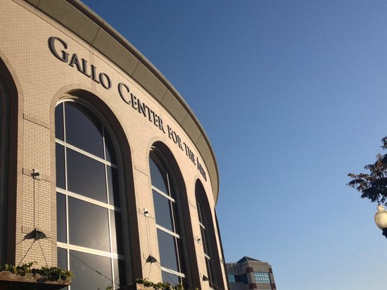 Gallo Center for the Arts: Front Entrance
