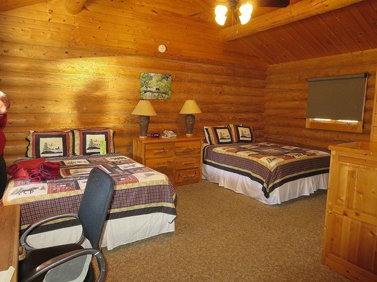 320 Guest Ranch: comfortable cabin