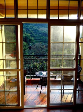 Yangshuo Village Retreat: Deluxe Room Balcony
