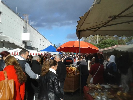 Anna Hotel: Sunday Market