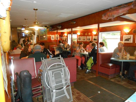 Smiles Seafood Cafe: LA SALLE