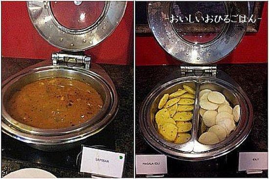Premier Inn New Delhi Shalimar Bagh Hotel : 黄金の南インドの朝食サンバルとイドゥリ でもここ北インド!