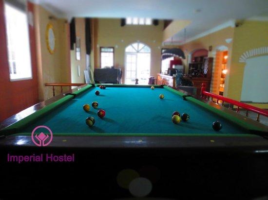 Imperial Hostel - Hue Backpacker Hostel : Free pool table