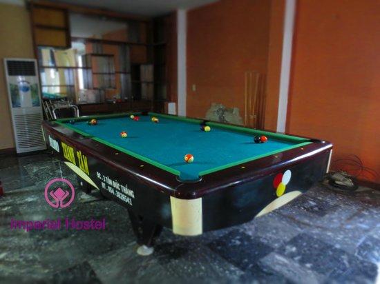 Imperial Hostel - Hue Backpacker Hostel : Pool table area
