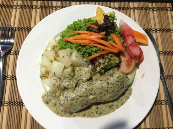 Kikau Hut Restaurant: Chicken Dish