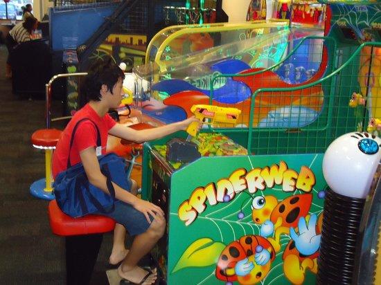 Guam Premier Outlets : play game