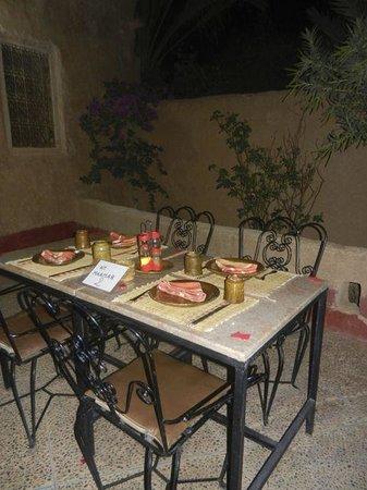 Ksar El Khorbat: Terrace dining