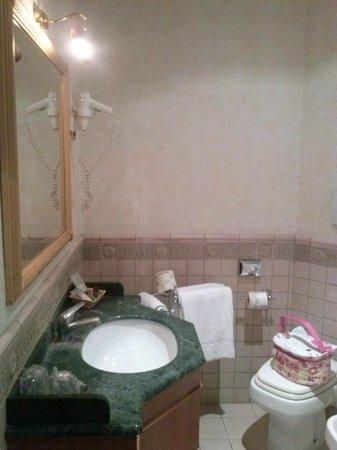 Cilicia Hotel : bagno