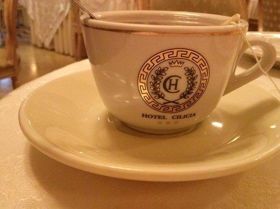 Cilicia Hotel : logo hotel su tazza