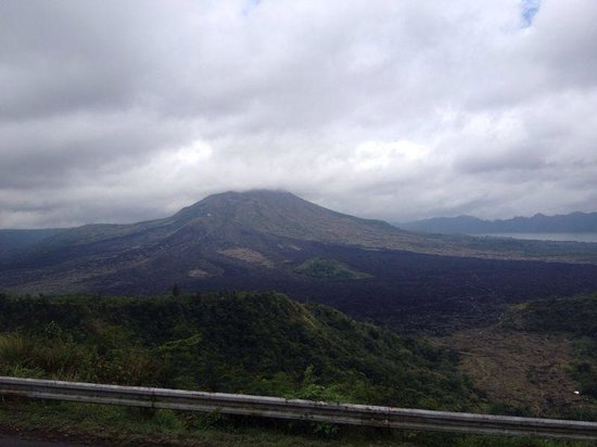 Sobek Bali - Private Tours: Overlooking the volcano at breakfast