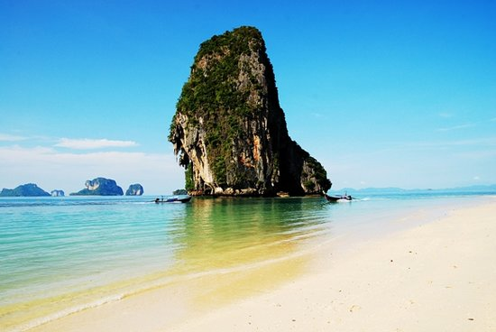 Railay Bay Resort & Spa: Front Beach