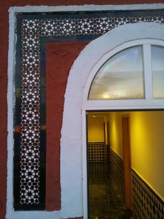 Hotel Casablanca: Morrocan style tiles and other details everywhere