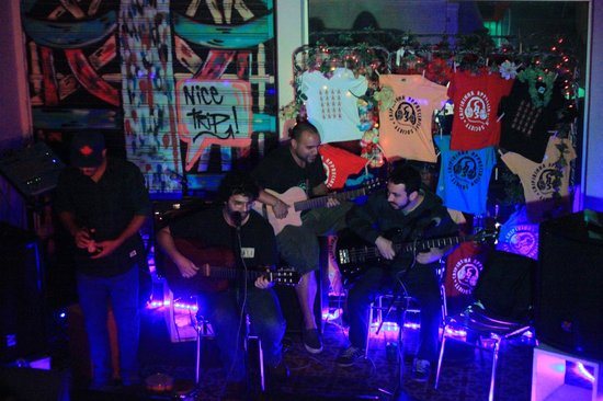 Caipi Hostel: musica