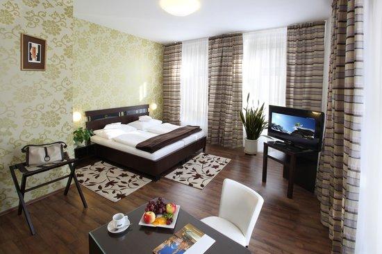 Hotel Trinity: Suite- bedroom