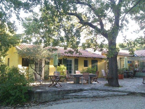 Le Mazet de la Gardy : Guest Rooms