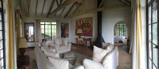 Clouds Mountain Gorilla Lodge: Our amazing suite