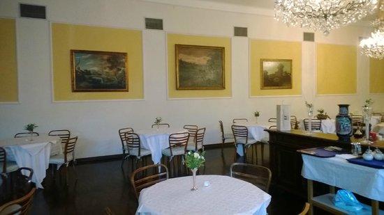 Hotel Cappelli: Ресторан - картины