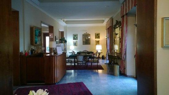 Hotel Cappelli: Холл отеля