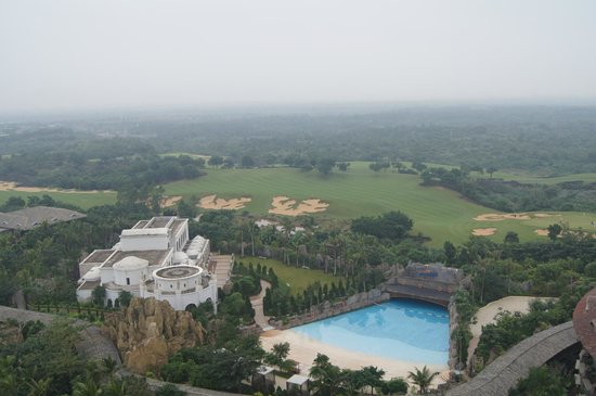 Mission Hills Resort Haikou: Excellent view overlooking the resort