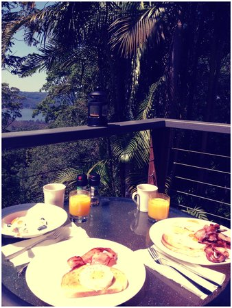 Montville Grove: Breakfast