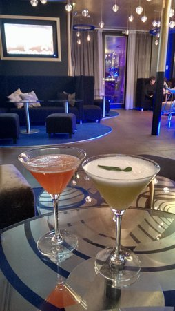 Seven Hotel Paris: cocktails au bar de l'hotel