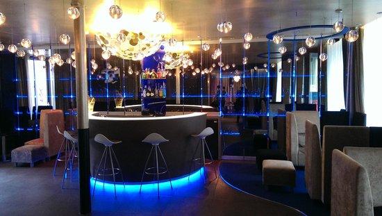 Seven Hotel Paris: bar