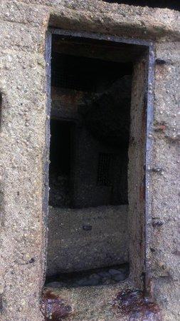 Falaise d'Etretat: Бункер, доступный только в отлив